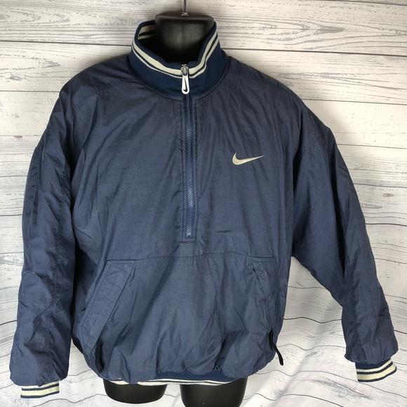 48a5238f718a ... Nike Big Logo puffer jacket. M 5a52b55f05f430caa4003651